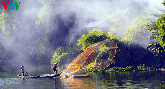 net-casting-dance-on-the-nhu-y-river-542263-nhuy7